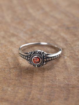 Bague Viking en argent avec pierre en zircon rouge