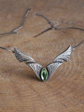 Diadème avec pierre vert clair