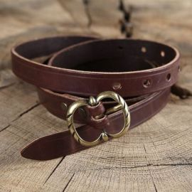 Longue ceinture médiévale en cuir à boucle double marron