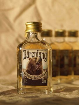 """Liqueur de miel """"Bärenfang"""" 2 cl lot de 20"""